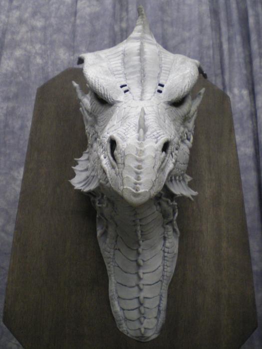 Dragon Head Mounted